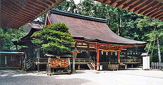 Isonokami Shrine - The haiden, a National Treasure of Japan
