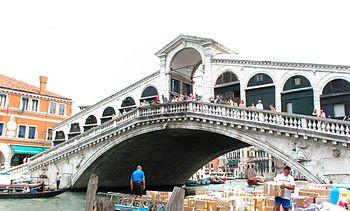 English: Rialto Bridge, Venice, Italy Italiano...