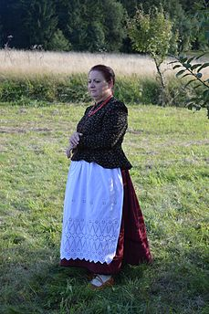 Jadwiga Jurasz in traditional clothes 1.jpg