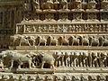 Jagdish Temple - sculptures aux éléphants.jpg