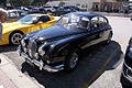 Jaguar MkII 1967 340 LSideFront Lake Mirror Cassic 16Oct2010 (15002034205).jpg