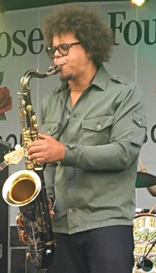 Jake Clemons (1) (cropped).jpg