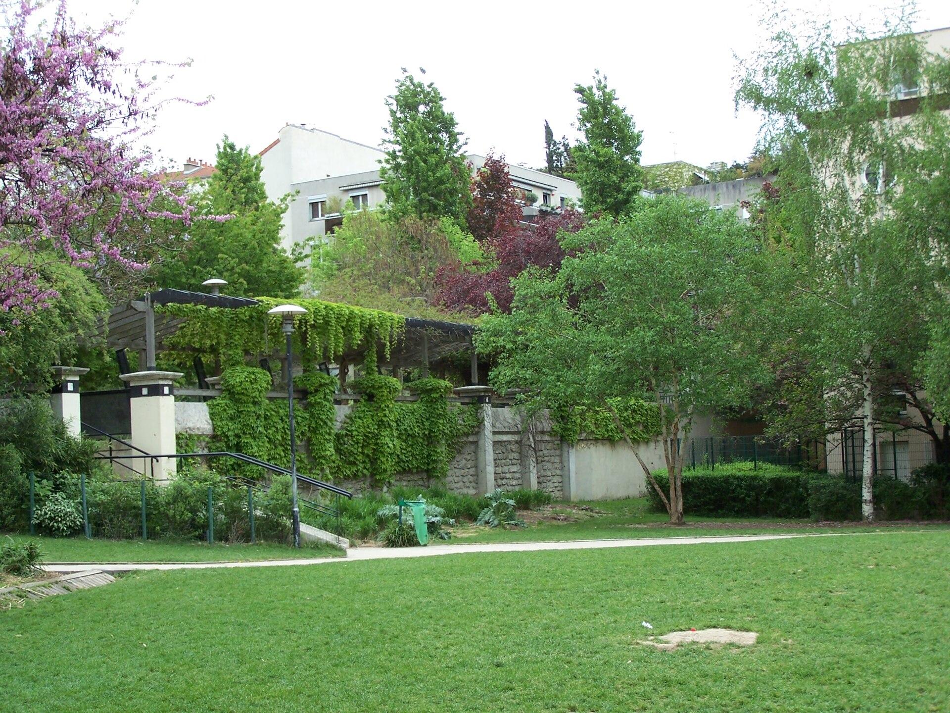 Jardin ilan halimi wikip dia for Jardin 122 rue des poissonniers