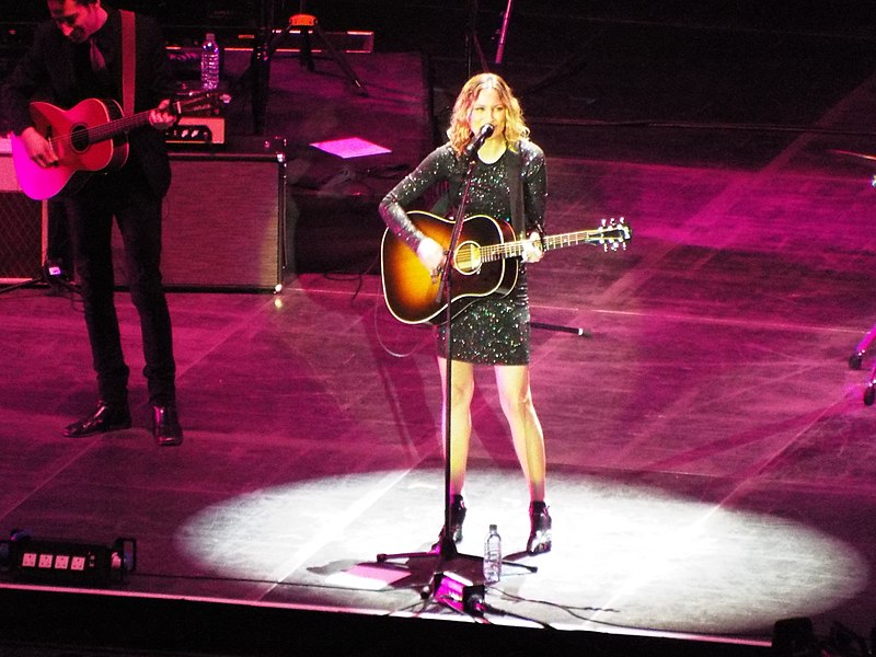 Was Jennifer Nettles Injured In A Car Accident