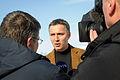 Jens Stoltenberg Norges statsminister intervjuas av svensk TV vid sin ankomst till Riksgransen.jpg