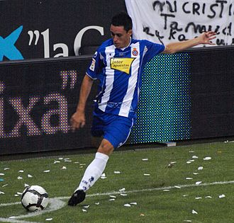 José Callejón - Callejón taking a corner for Espanyol in 2009