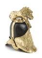 Kask från Livdrabantkåren av svartlackerat läder med lejon som kam - Livrustkammaren - 106341.tif