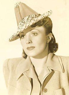 Kay Linaker American actress and screenwriter
