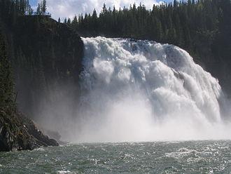 Tumbler Ridge - Kinuseo Falls in the Monkman Provincial Park