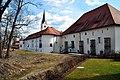 Klagenfurt Viktring Stift Kirche Nordwestansicht 25032009 51.jpg