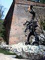Kraków Smok Wawelski pomnik Chromy 1991-05.jpg