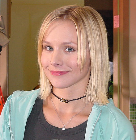 bell on the set of veronica mars in 2004