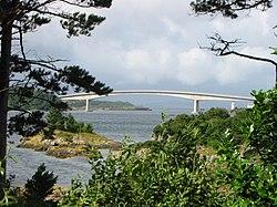 Kyle of Lochalsh bridge 15559.jpg