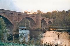 Ladykirk and Norham Bridge in 2003.jpg