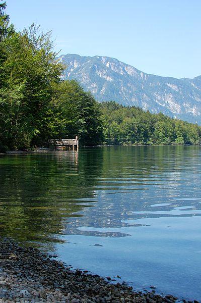 File:Lake Bohinj (8191376884).jpg