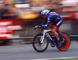 Lance Armstrong in the prologue of the Tour de...