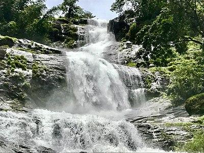 Landscape view of Cheeyappara Waterfalls.jpg