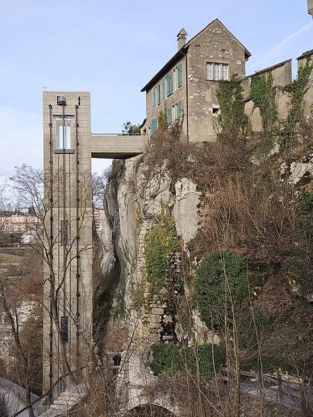 File:Laufen-Uhwiesen - Schloss 2013-01-31 15-20-05 (P7700).JPG