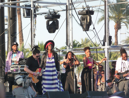 Hill and her backing musicians performing at Coachella Valley Music Festival in California in 2011 Lauryn Hill 2011.png