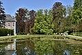Le miroir à côté du château (28836056031).jpg