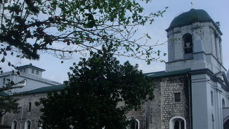 File:Legazpi Church, Legazpi City.JPG