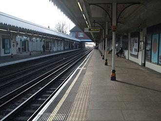 Leyton tube station - Image: Leyton tube west