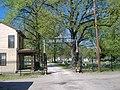 Linden Grove Cemetery gate.jpg