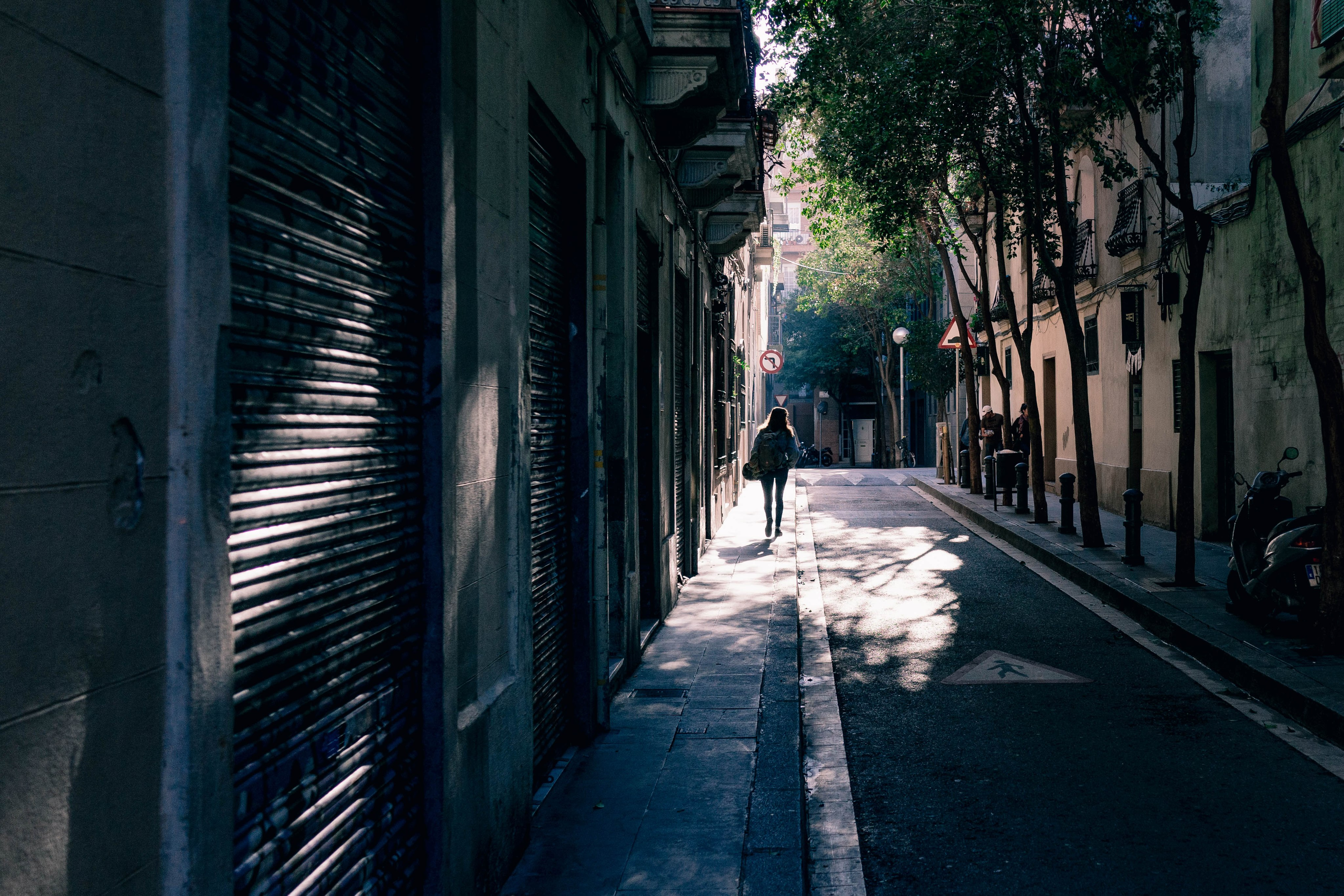 Lonely Girl (Unsplash)
