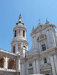 Il santuario della Santa Casa di Loreto, uno dei simboli delle Marche