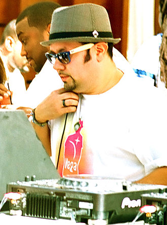 Grammy Award for Best Remixed Recording, Non-Classical - Image: Louie Vega at Miami Winter Music Conference 2009 Fontainebleau Resort Hotel