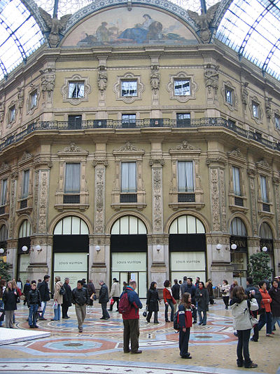A Louis Vuitton boutique in the Galleria Vittorio Emanuele II, in Milan, Italy. Louis Vuitton, Galleria Vittorio Emanuele II.jpg