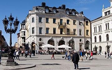 byggnad med anor från 1702