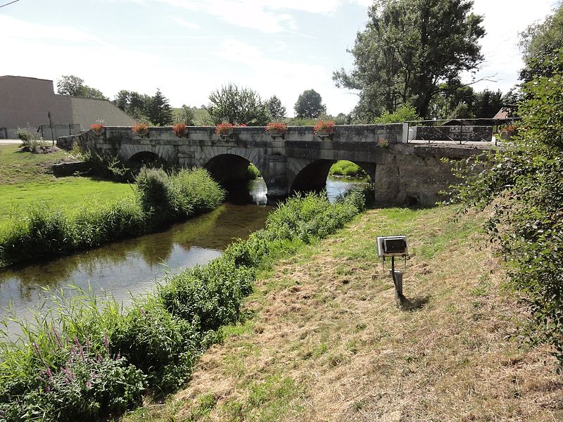Ménil-sur-Saulx (Meuse) pont de la Saulx