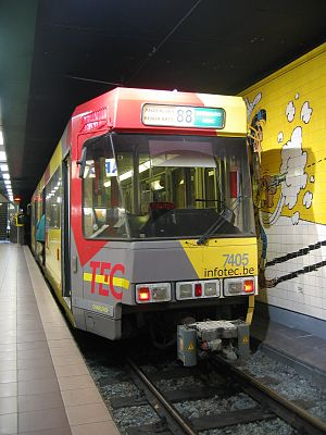Parc (Charleroi Metro) - Image: Métro Léger Charleroi LRV 7504 in Parc station