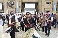 Música del altiplano en la estación de trenes de Constitución (15483541648).jpg