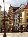 Měšťanský dům 14, nám. Liberec - v řadě domů.JPG