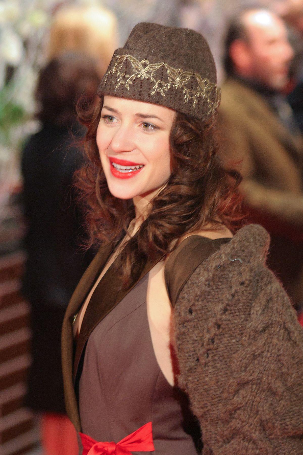 Julia Malik - Wikipedia