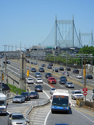 M60 (New York City bus) - An M60 SBS exiting Interstate 278 in Queens after crossing the Triborough Bridge.