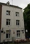 foto van Huis met lijstgevel aan de Kleine Looiersstraat.