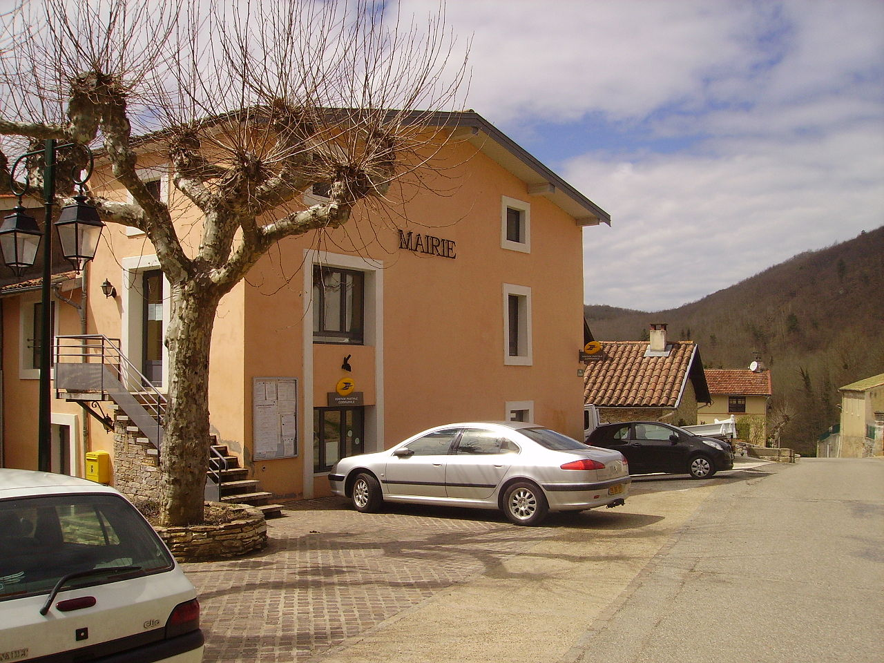 Mairie de Lesparrou.jpg