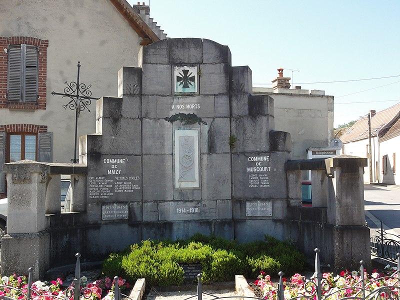 Maizy (Aisne) monument aux morts de Maizy et Muscourt