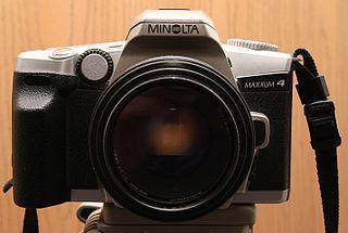 Minolta Maxxum 4 35mm SLR camera