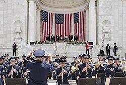 Memorial Day ceremony (11594995774).jpg