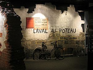 La résistance en France durant la Seconde Guerre mondiale 300px-Memorial_Mur_Resistance
