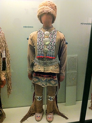 Menominee - Menomini Fashion at the Field Museum in Chicago