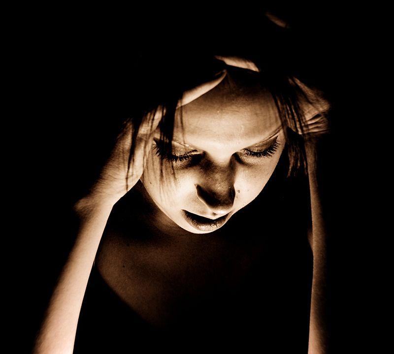 Osoba z bólem migrenowym