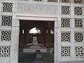 Mirza Galib's tomb inside.jpg