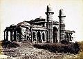 Miya Khan Chishti's Mosque Ahmedabad 1866.jpg