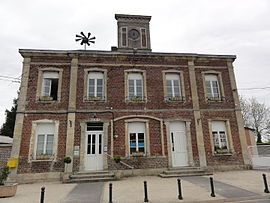 The town hall and school of Monceau-lès-Leups