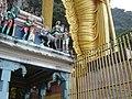 Monkey Batu Temple Malaysia - panoramio.jpg